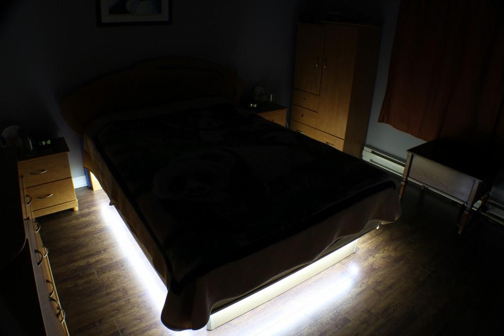 Diy bedroom under the bed led lighting end2end zone for Diy bedroom lamp