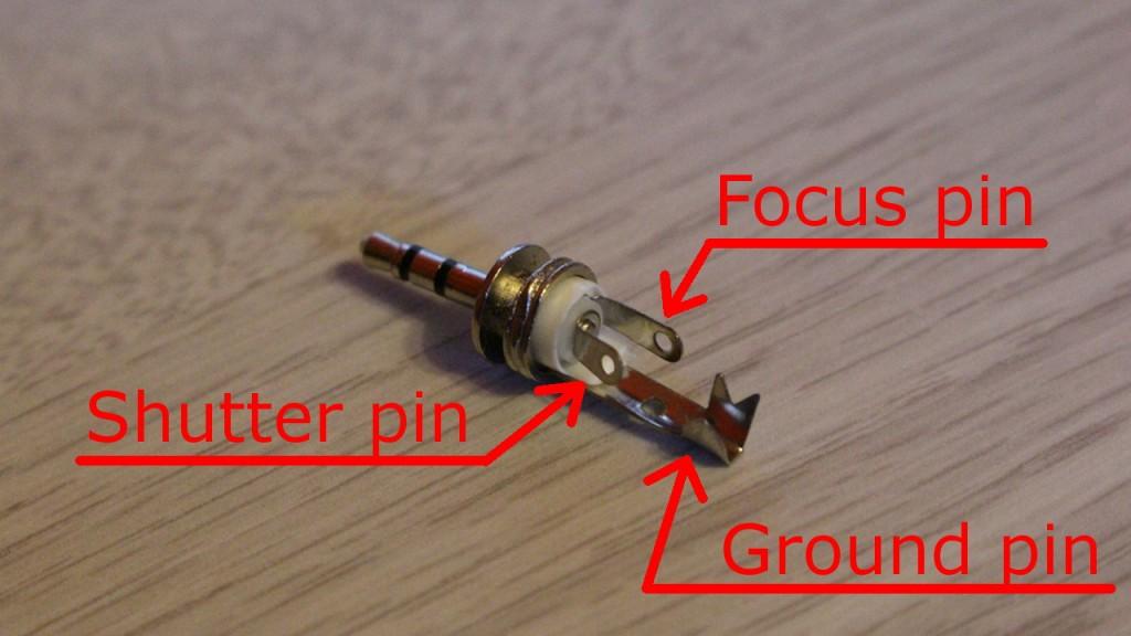 Audio plug 2.5 mm pins usage